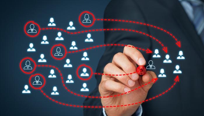 Blog-Solucionweb-Adios-el-excel-conoce-el-crm-gratis-que-puede-ordenar-tus-contactos-uno-nuevo