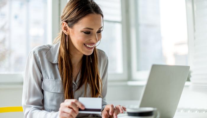 Blog-Solucionweb-Cinco-tips-basicos-para-vender-mas-y-mejor-en-linea-uno-nuevo