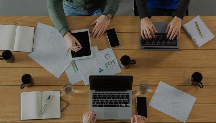 Blog-Solucionweb-Diferencias-entre-una-agencia-de-publicidad-y-una-de-marketing-cover