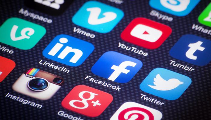 Blog-Solucionweb-lo-que-no-debes-hacer-en-redes-sociales-tres